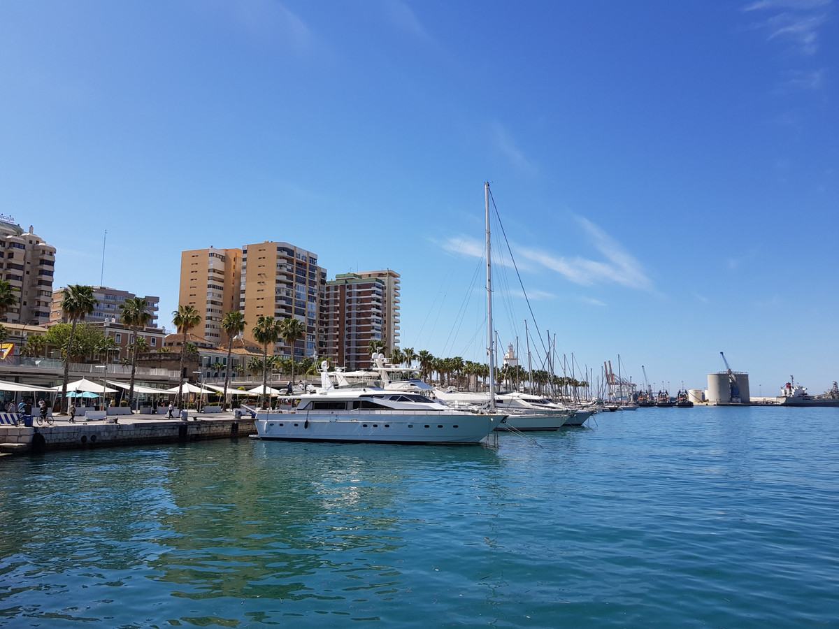 Middle Floor Apartment in Málaga Centro - 2 bedrooms - 1 ...
