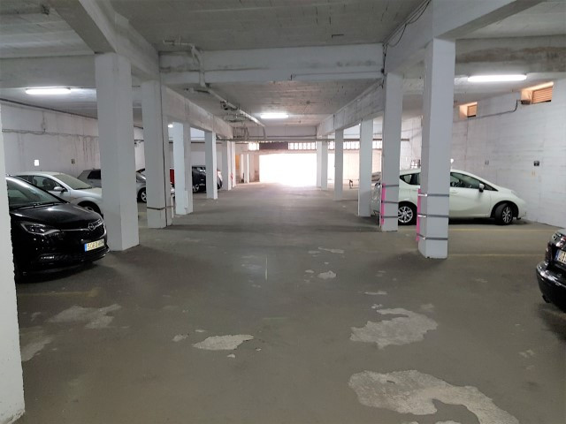 Parking space in a frontline beach community in Calahonda, Mijas Costa. Great opportunity to purchas,Spain
