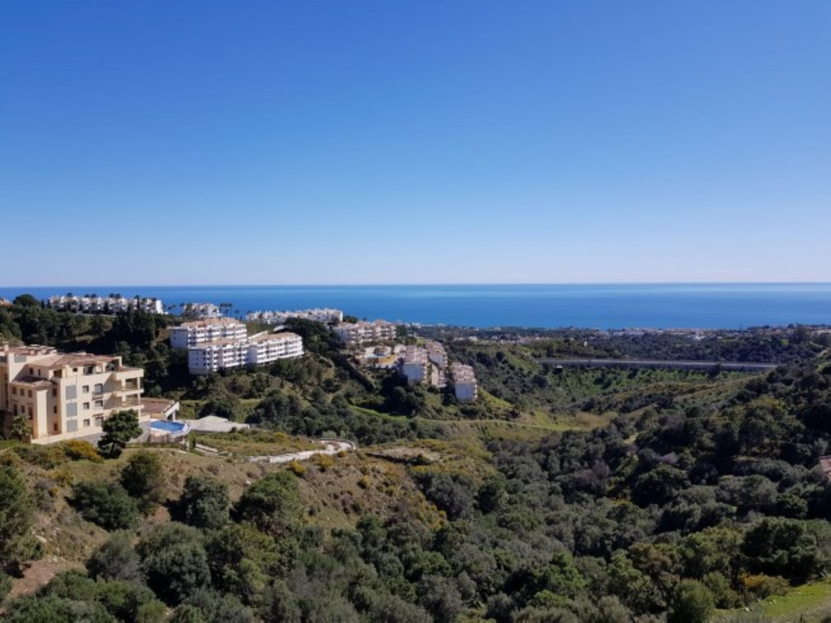 Nice apartment in the upper part in Calahonda, Mijas Costa. Great location with south facing directi,Spain