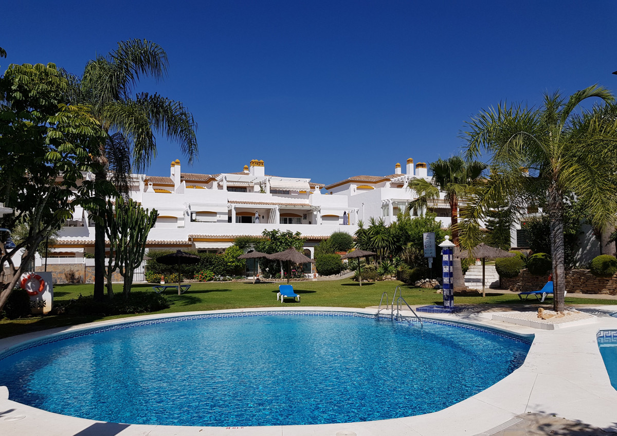 Nagueles, one of the best areas in and around Marbella! This ground floor apartment is located in a ,Spain