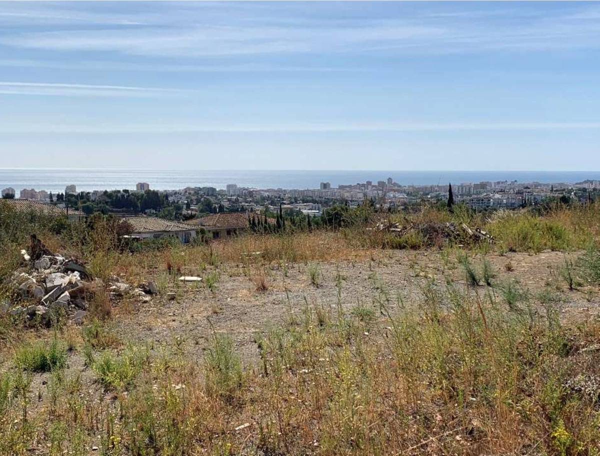 BUILDING PLOT for SALE in urbanisation, close to Mijas Pueblo and Fuengirola. Great views to country,Spain