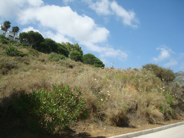 SURELY ONE of the BEST and most impressive plots in Valtcado!! Recently reduced from 380.000 €. Tran,Spain
