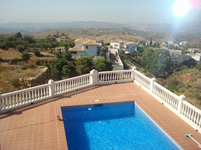 Modern villa with panoramic views (2002). Private double parking w/automatic gates. Entrance porche,, Spain