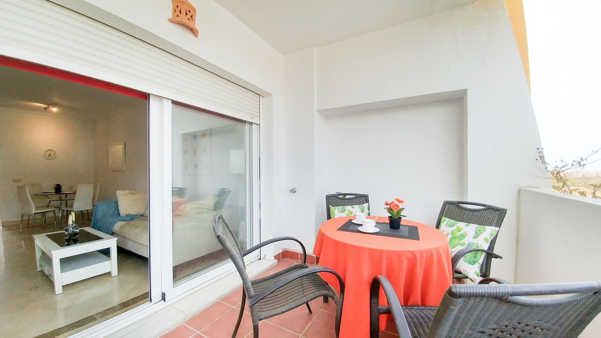 Middle Floor Apartment, Mijas Costa, Costa del Sol. 2 Bedrooms, 2 Bathrooms, Built 81 m², Terrace 15, Spain