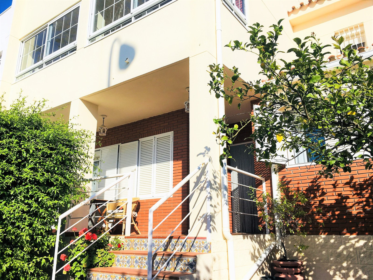 Townhouse, Fuengirola, Costa del Sol. 4 Bedrooms, 3.5 Bathrooms, Built 276 m², Terrace 15 m², Garden, Spain