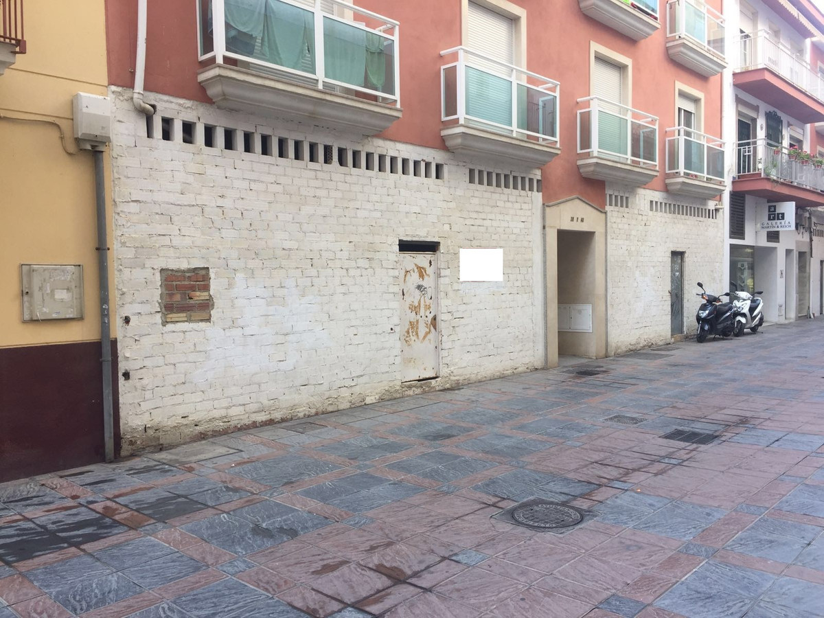 R2797973: Commercial for sale in Fuengirola