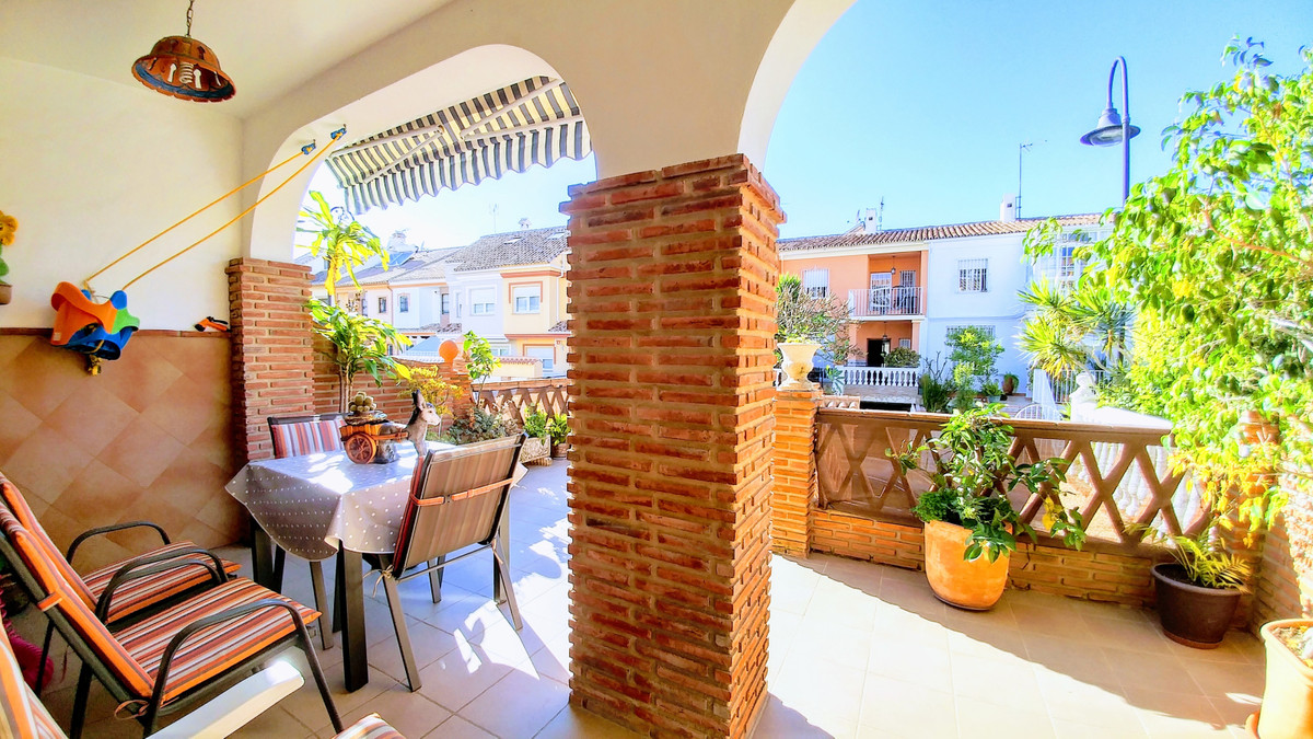 4 bedroom townhouse for sale fuengirola