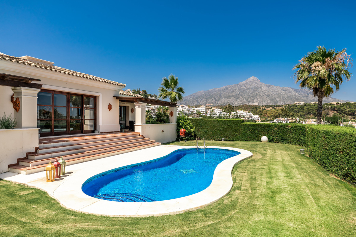 Beautifully presented contemporary villa with incredible views of La Concha mountain, located in a c,Spain