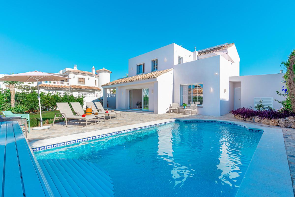 Detached Villa for sale in El Rosario R3525304
