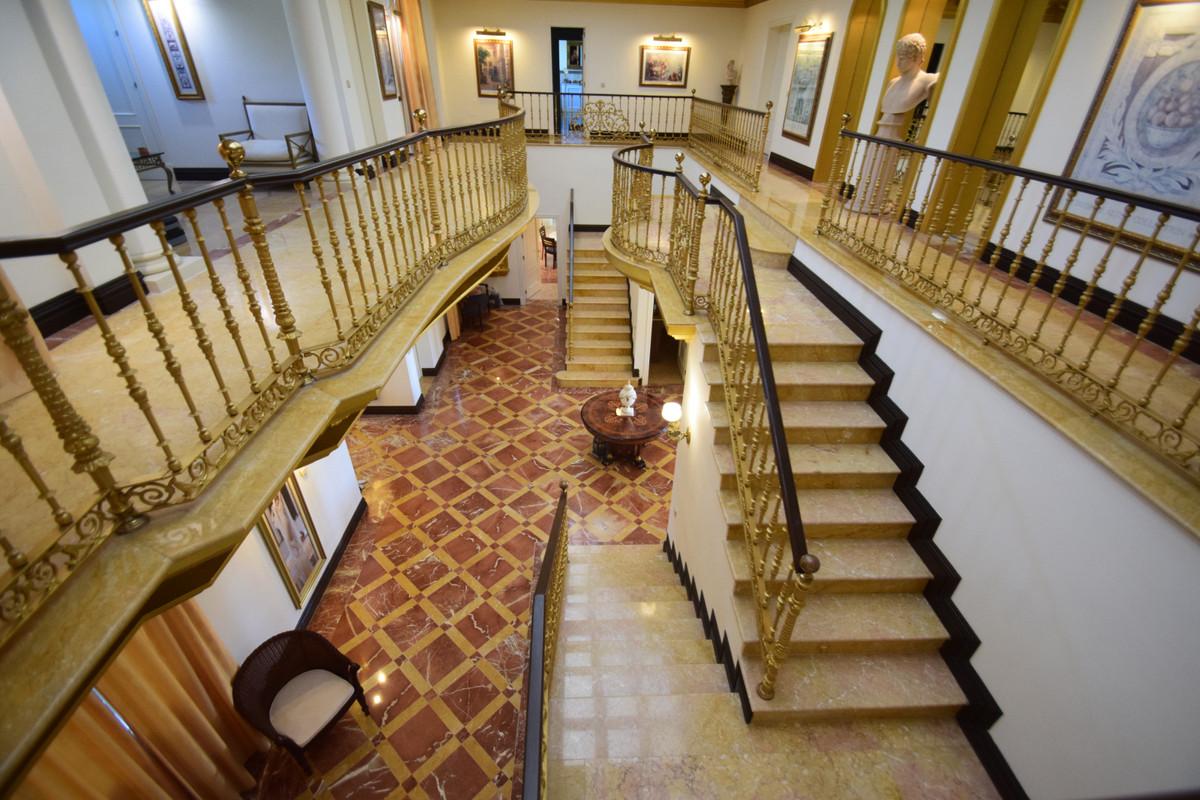 Villa – Chalet en Venta en Nueva Andalucía – R3388303