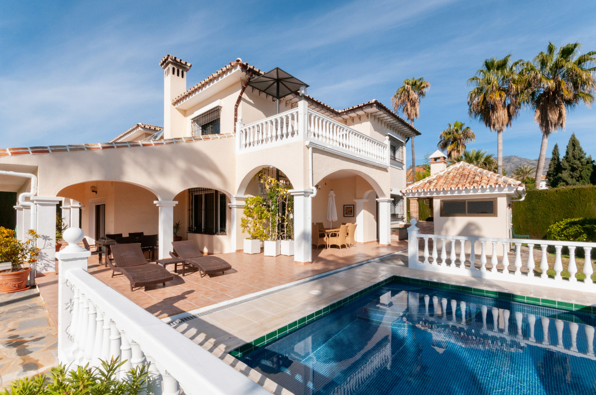 Magnificent five bedroom luxury villa with beautiful sea views on a large corner plot in Campo Mijas,Spain