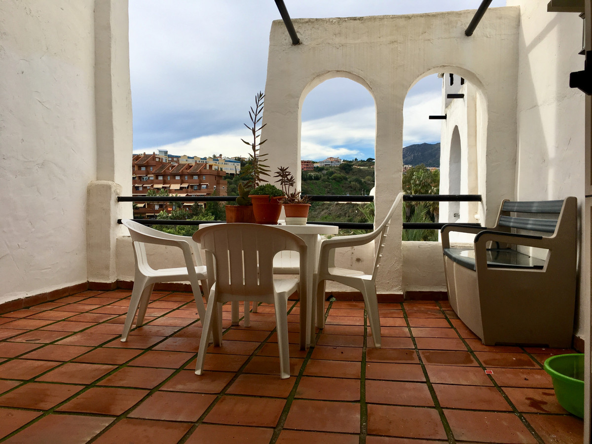 Apartment located a few minutes walk from the paseo maritimo of Benalmadena, close to the shops, res,Spain