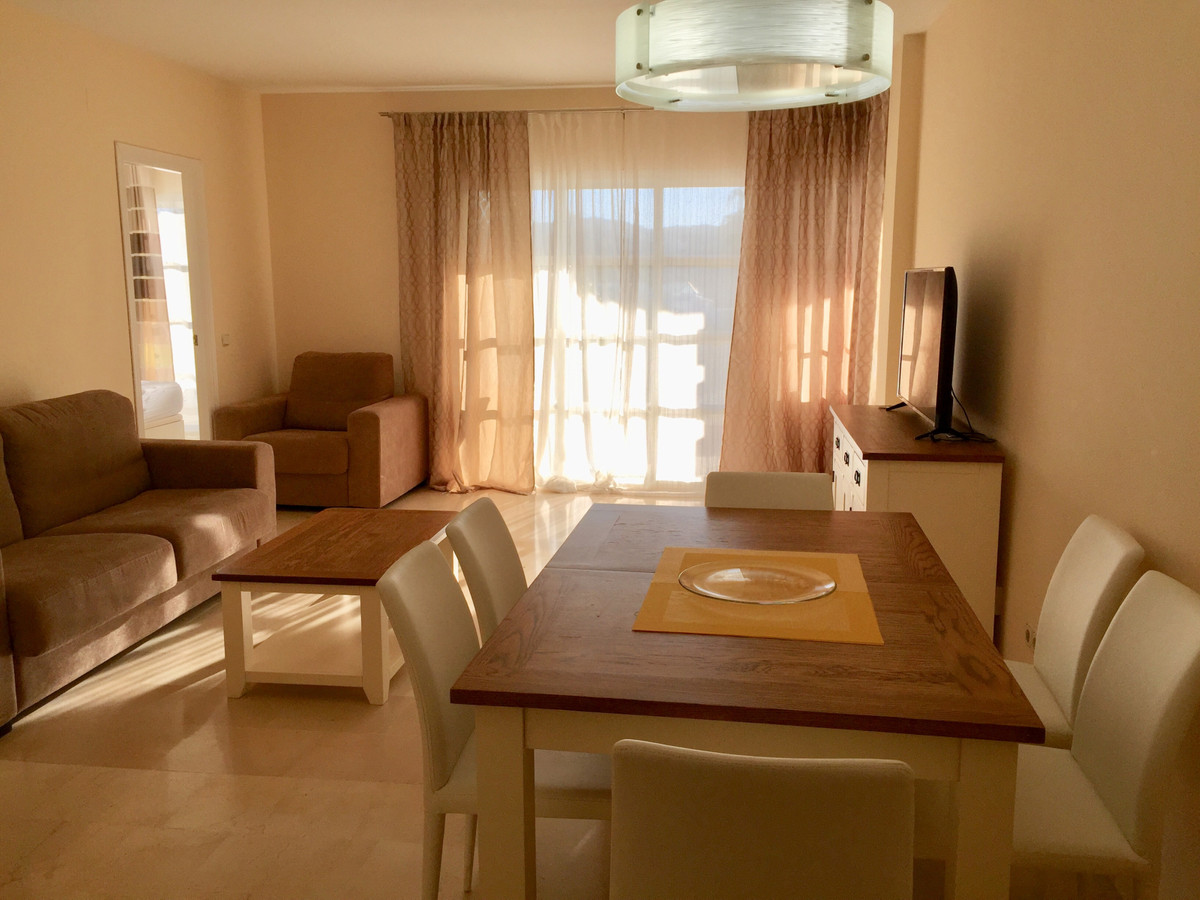 AVAILABLE!  Cozy one bedroom apartment with full bathroom and a guest toilet with shower within Matc,Spain