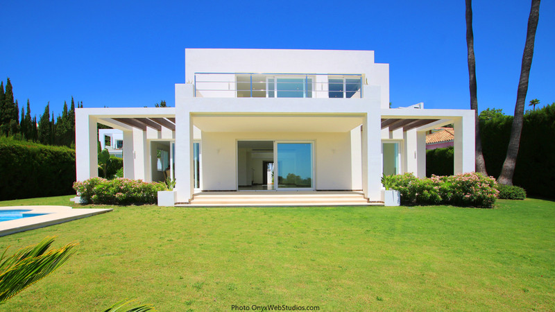 Villas for sale in Estepona (New Golden Mile) 17