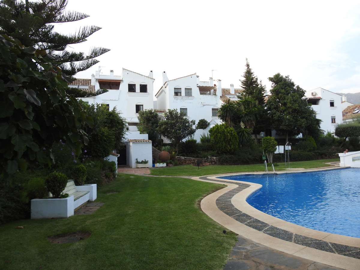 Charming one bedroom townhouse facing southwest.  In the perfect location, 5 minutes from some of th,Spain