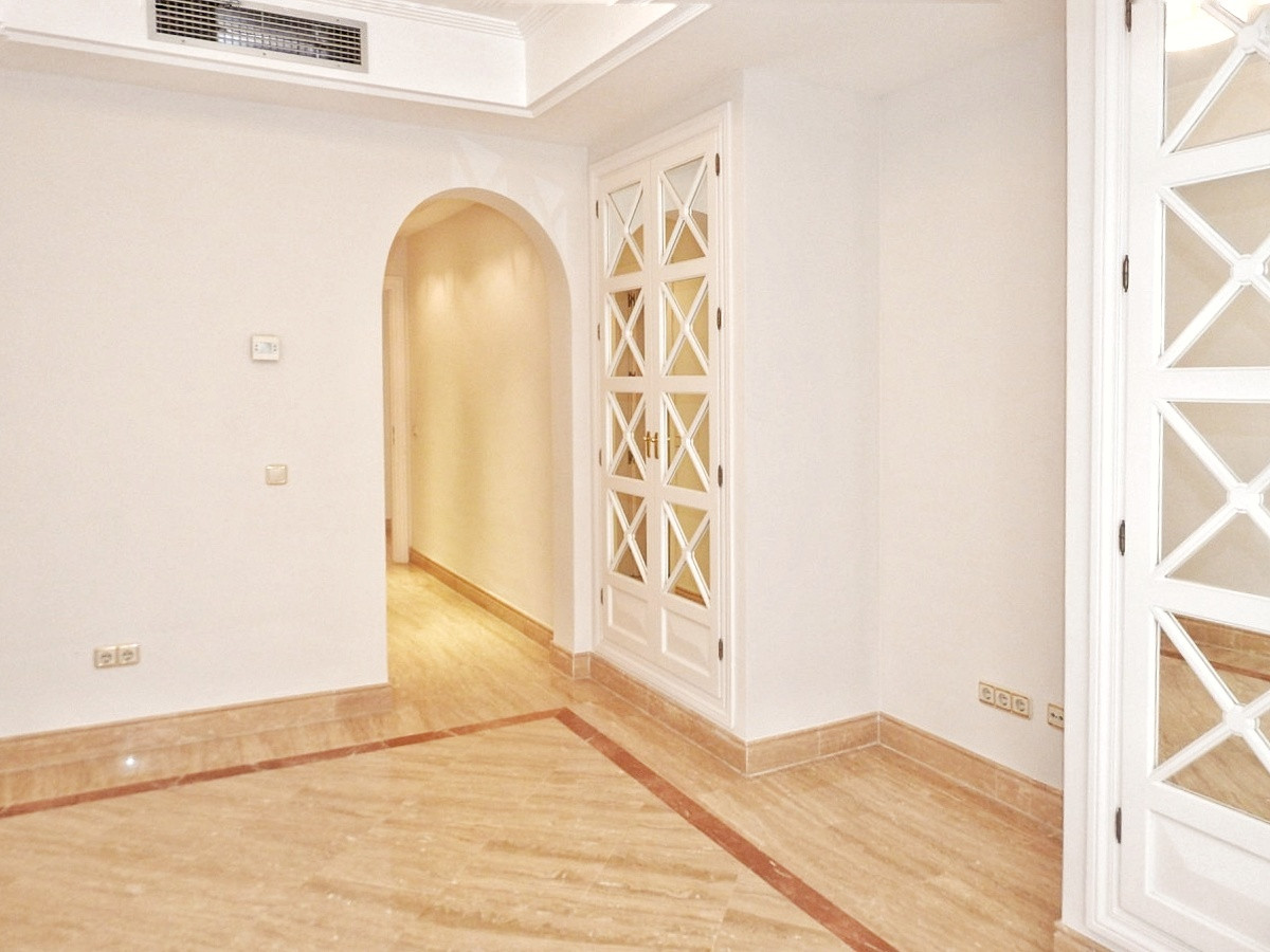 3 Bedroom Middle Floor Apartment For Sale The Golden Mile