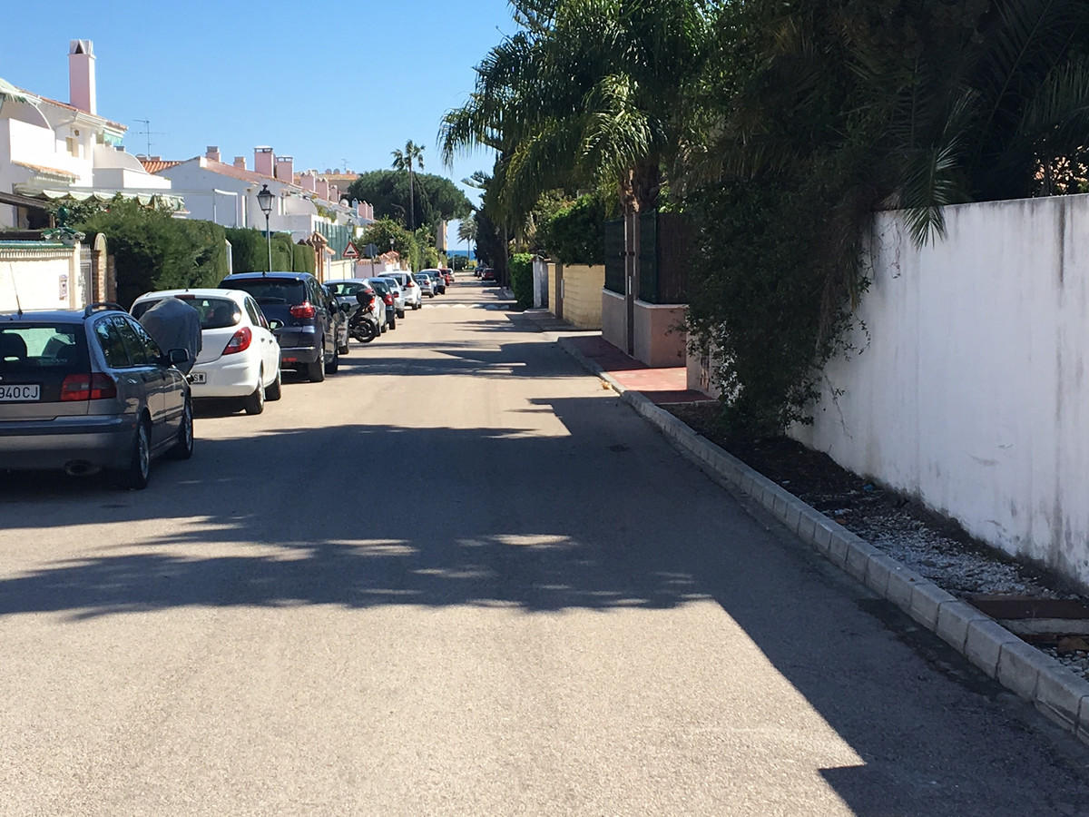 fantastic plot near the sea with magnificent location. the plot has 500 meters, with a possible cons,Spain