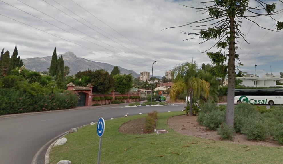 Plot Residential in Nueva Andalucía, Costa del Sol