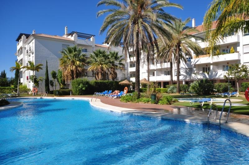 Bright high quality apartment, south facing, 2 bedrooms, 2 bathrooms (one en suite), living room ove, Spain