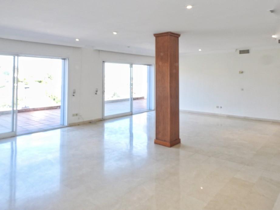 Apartamento con 5 Dormitorios en Venta La Quinta