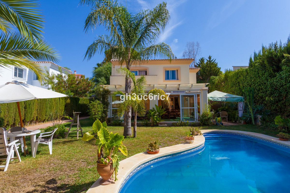 A very well located south west facing villa positioned nicely in lower Calahonda and close to all sh,Spain