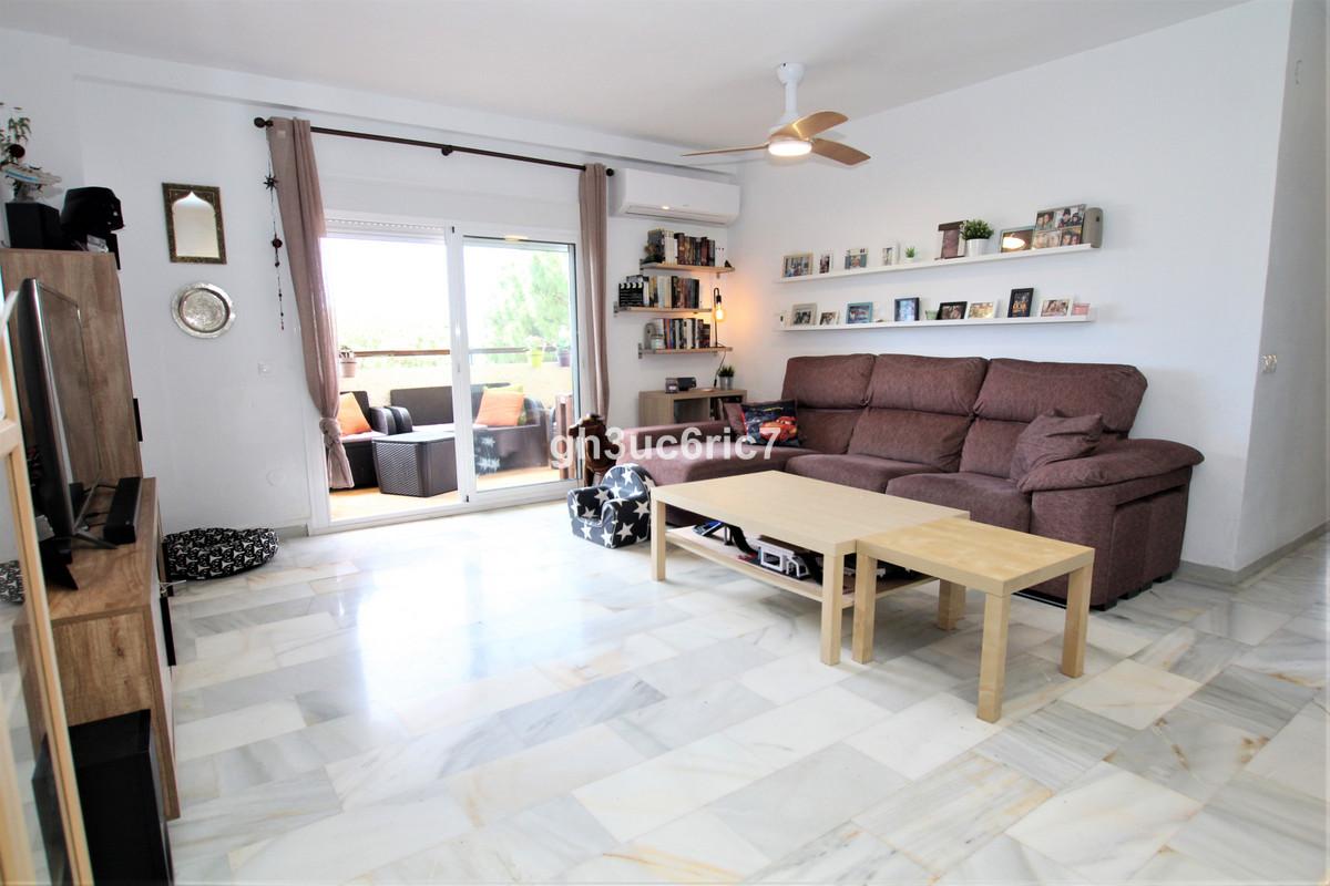 Marbella Banus Apartamento en Venta en Calahonda – R3858607