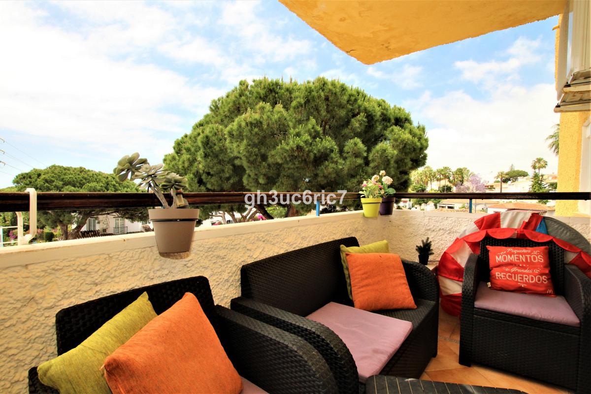 Apartamento en Venta en Calahonda – R3858607