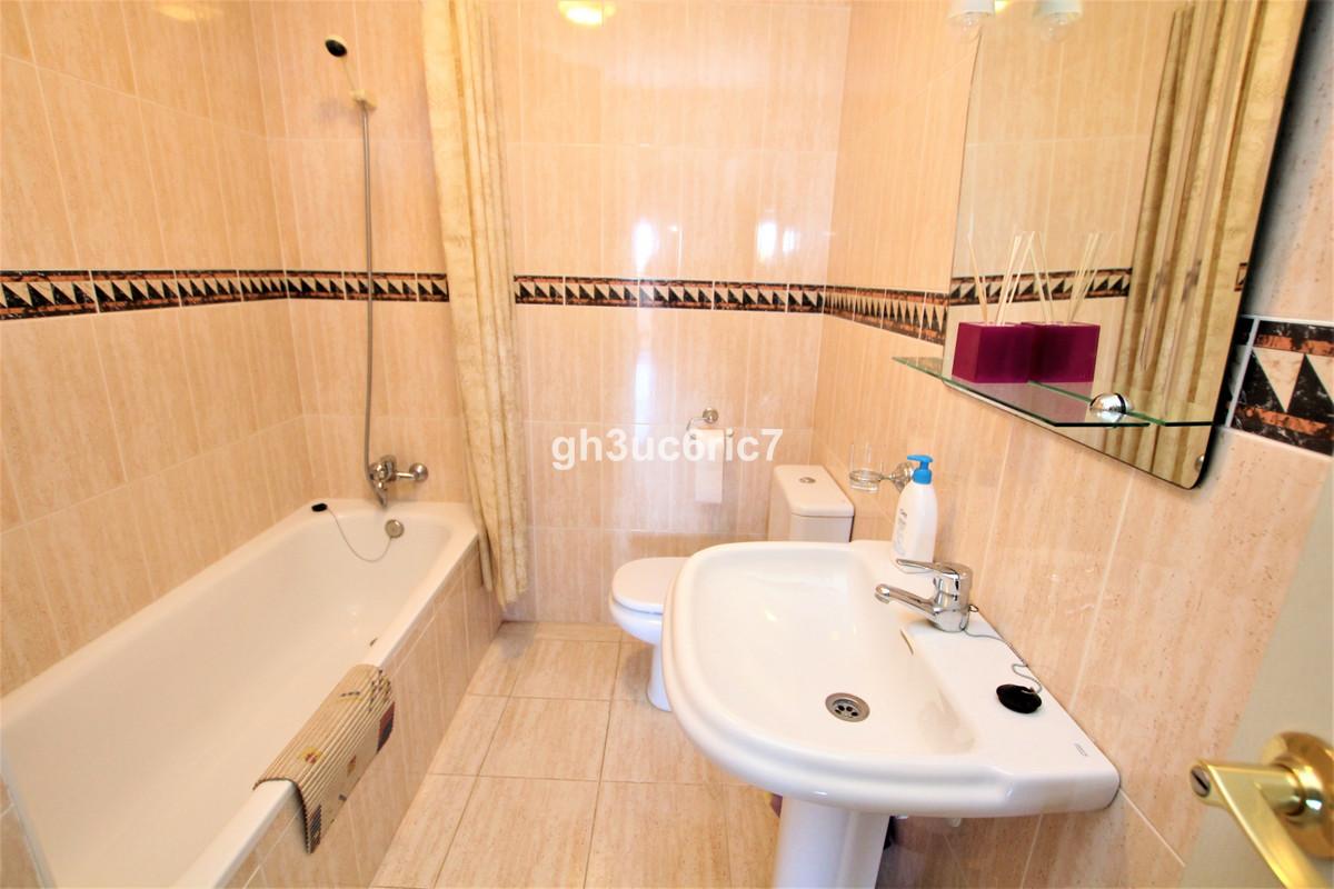 Apartamento en Venta en Calahonda – R3733348