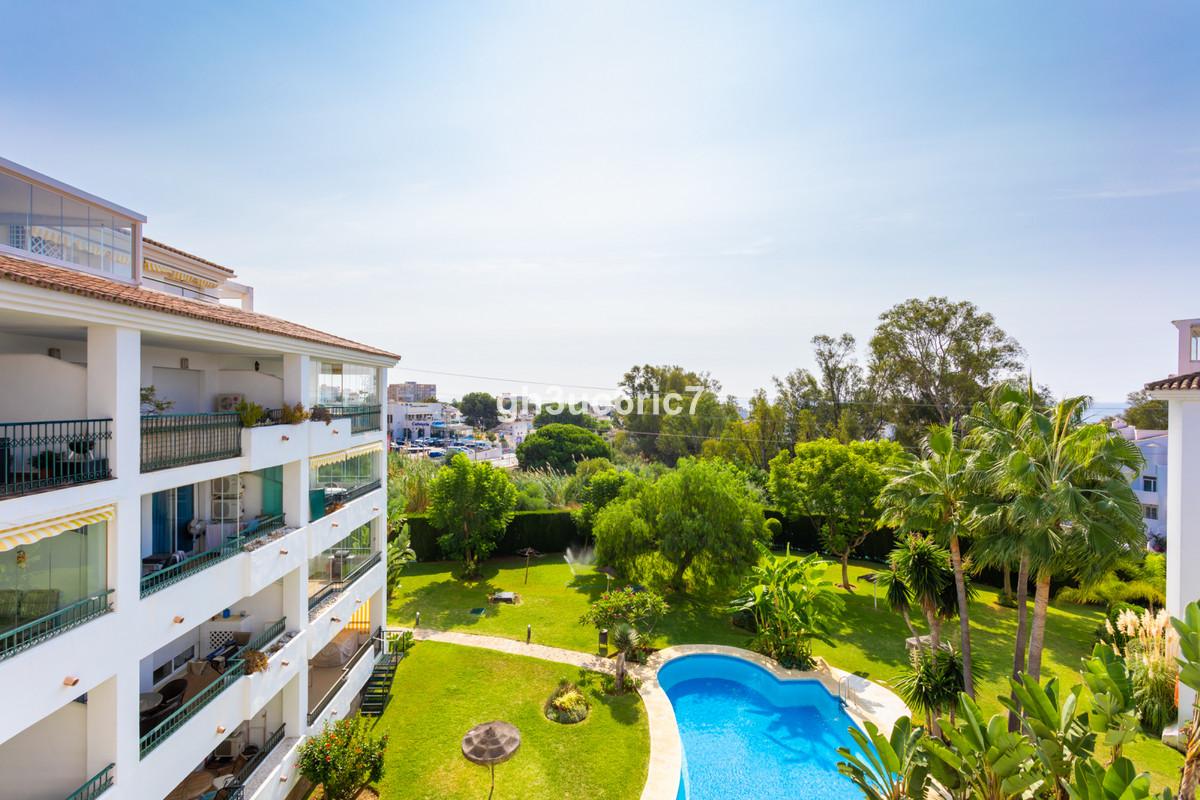Marbella Banus Apartamento en Venta en Calahonda – R3699956