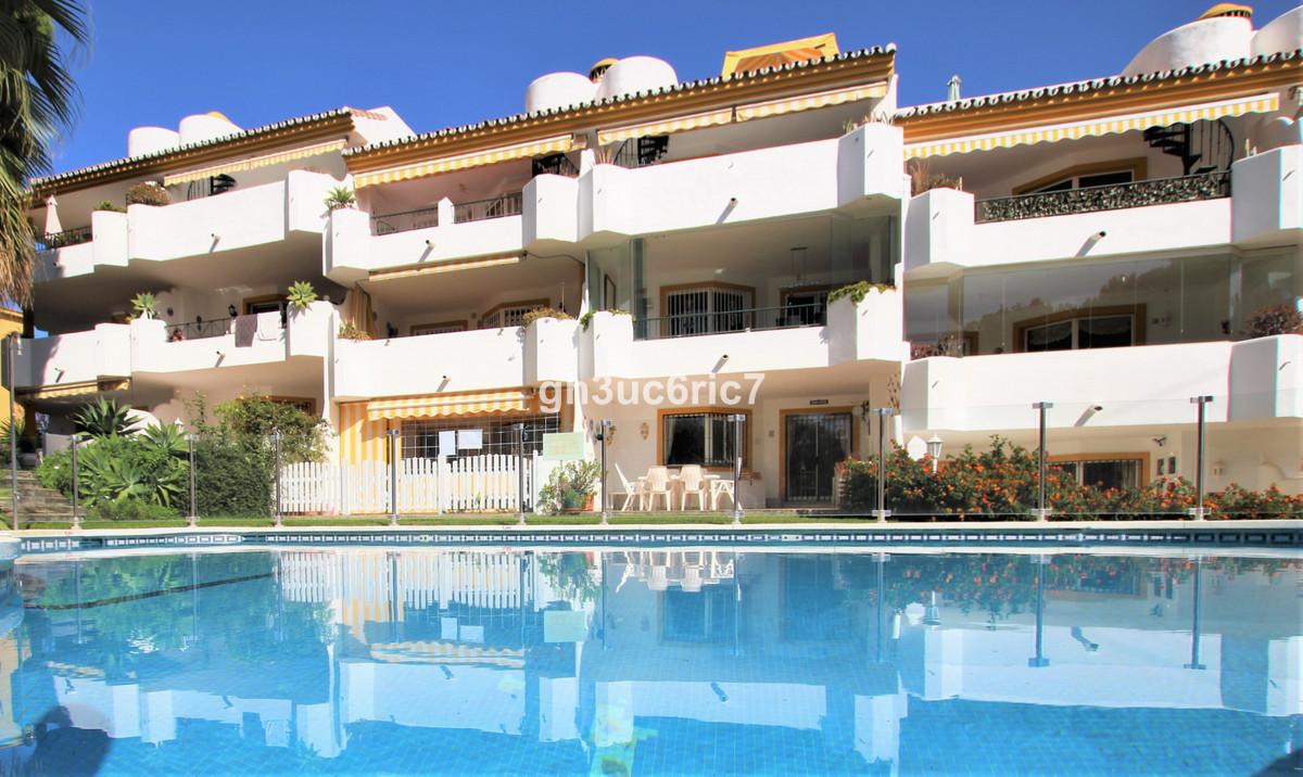 Apartamento en Venta en Calahonda – R3738508