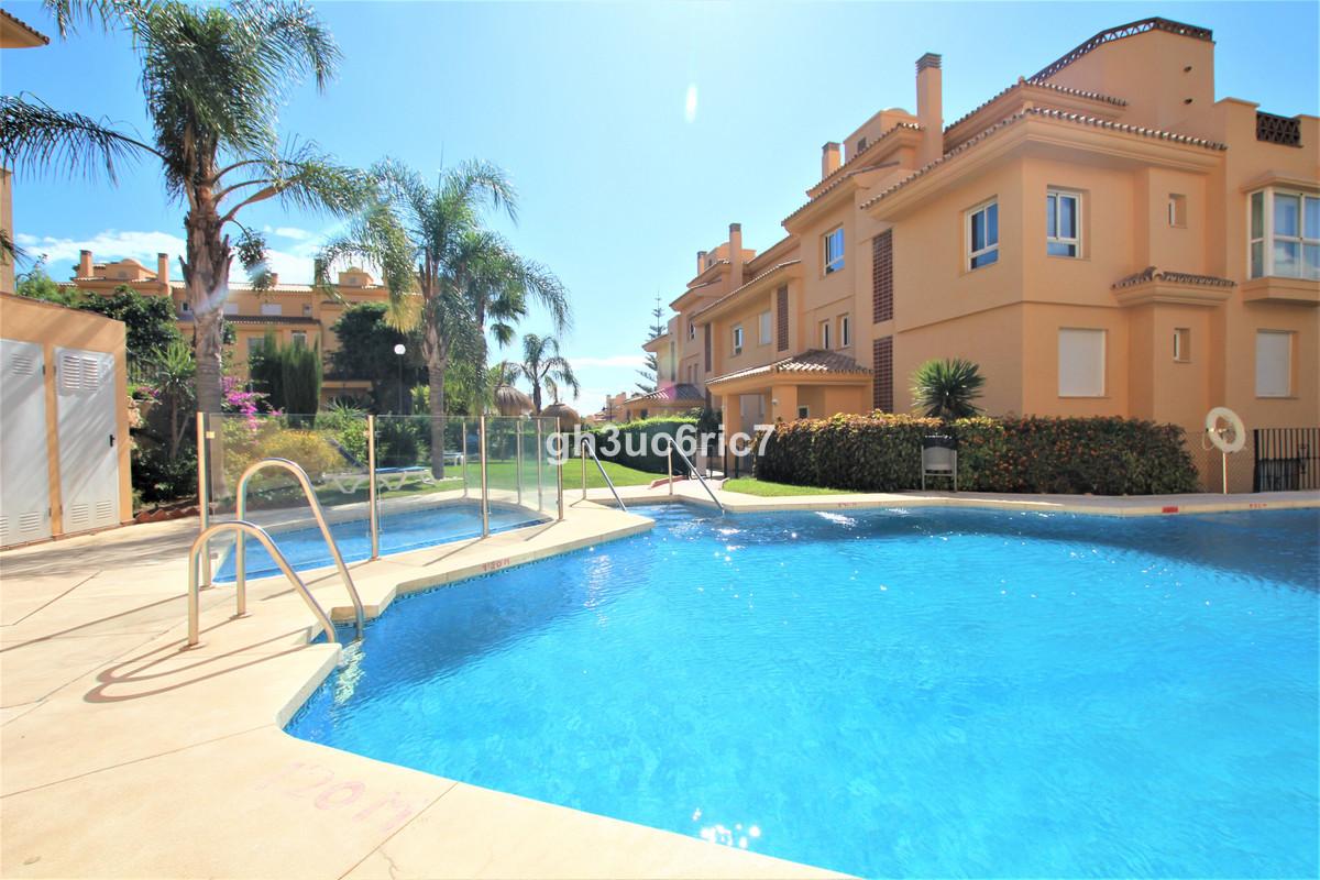 Marbella Banus Apartamento en Venta en Calahonda – R3811018