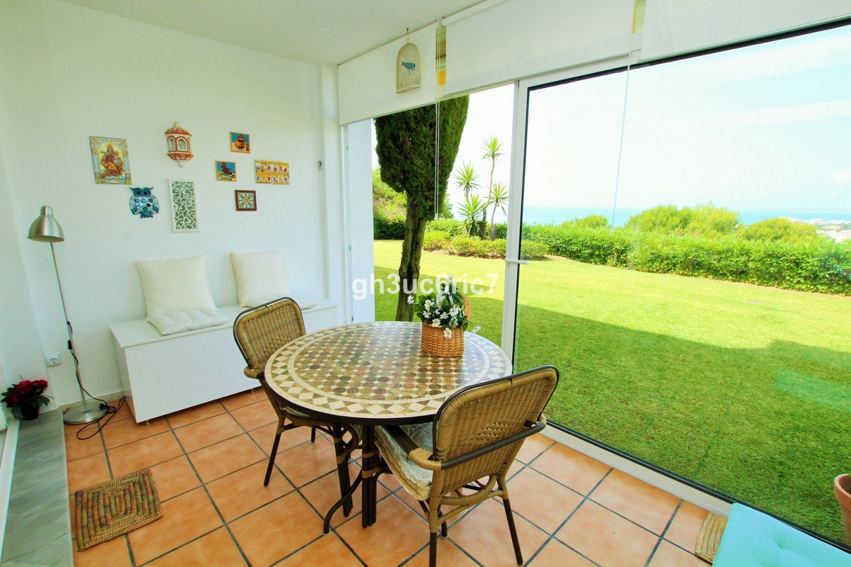 Beautiful 1 bedroom, 1 bathroom ground floor apartment, located in Miraflores with breathtaking sea , Spain
