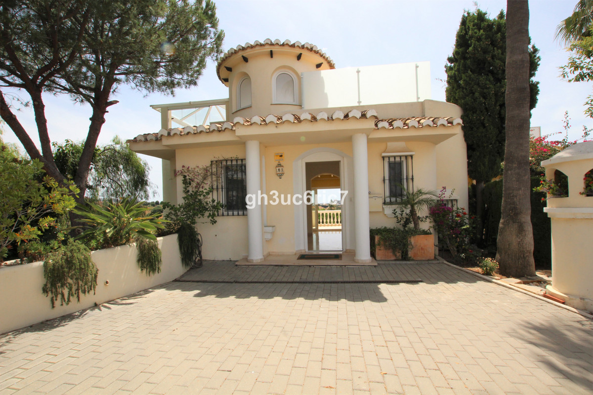 Marbella Banus Pareado en Venta en Calahonda – R3662354