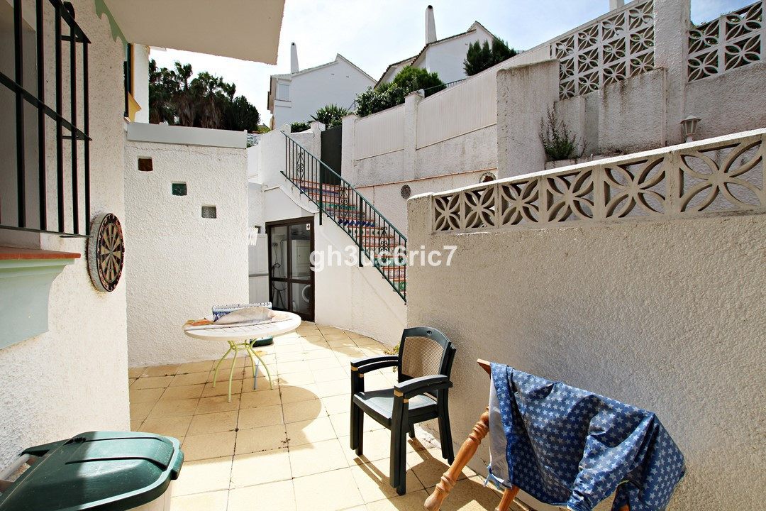 REDUCED FOR A QUICK SALE!! This 3-level house with sea views is situated within an urbanisation whic,Spain