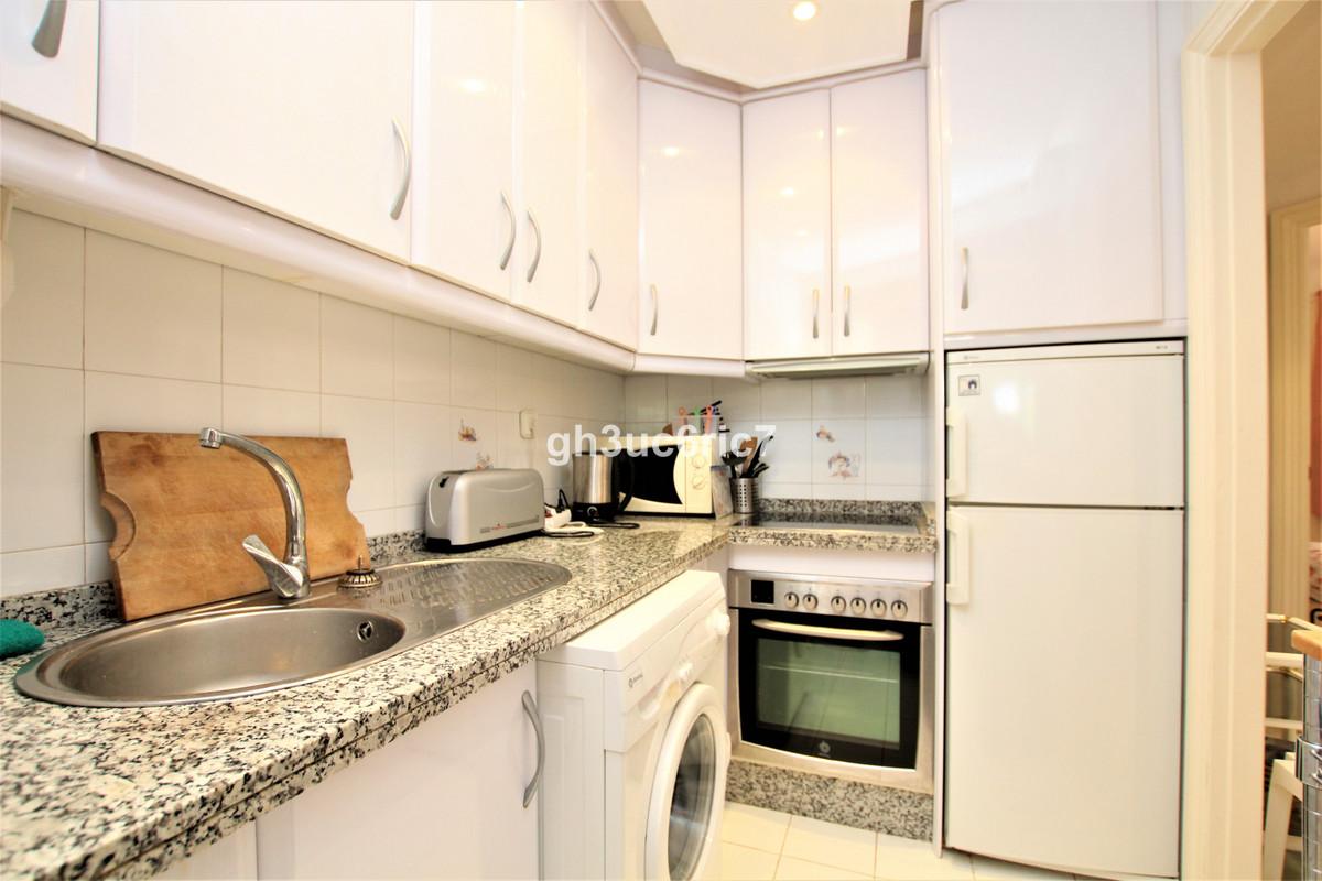 Apartamento en Venta en Calahonda – R3735268