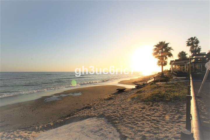 Nice and completely renovated studio apartment situated right on the beachfront in Calahonda with am,Spain