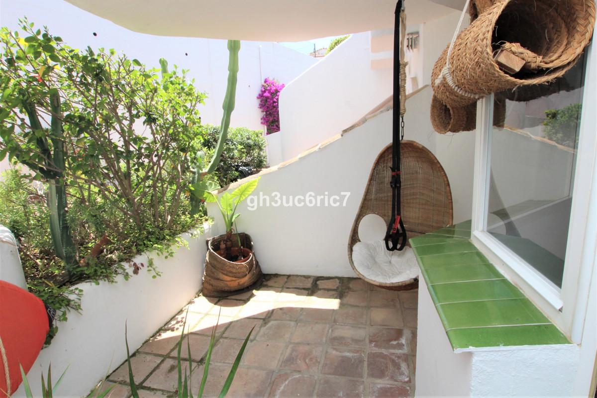 Apartamento en Venta en Calahonda – R3646676