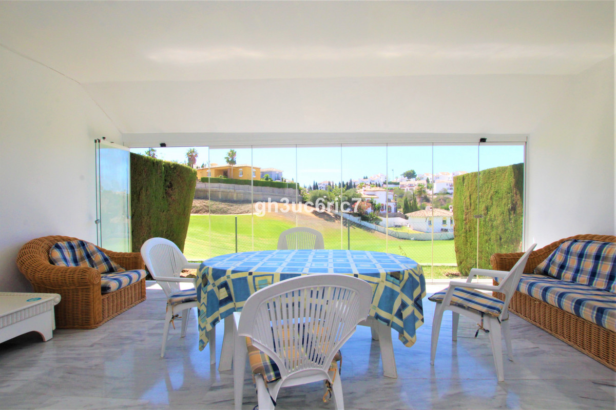 First Line golf overlooking the Miraflores Golf course! A lovely bright and airy townhouse in a fron,Spain