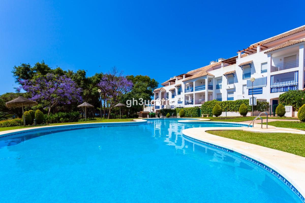 Marbella Banus Apartamento en Venta en Calahonda – R3369112