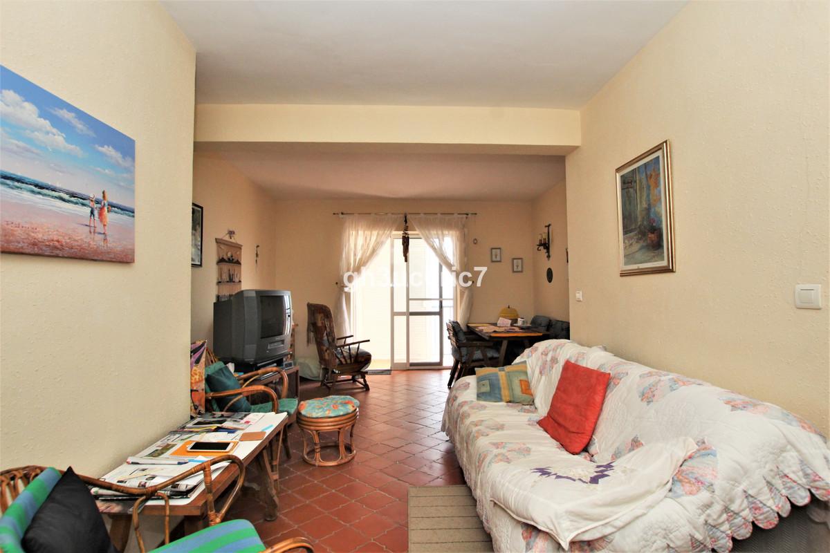 Apartamento en Venta en Calahonda – R3913930