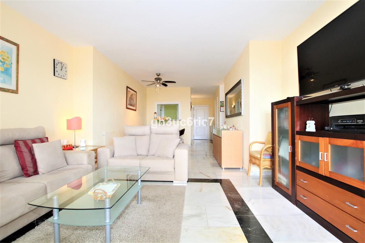 Apartamento en Venta en Calahonda – R3843130