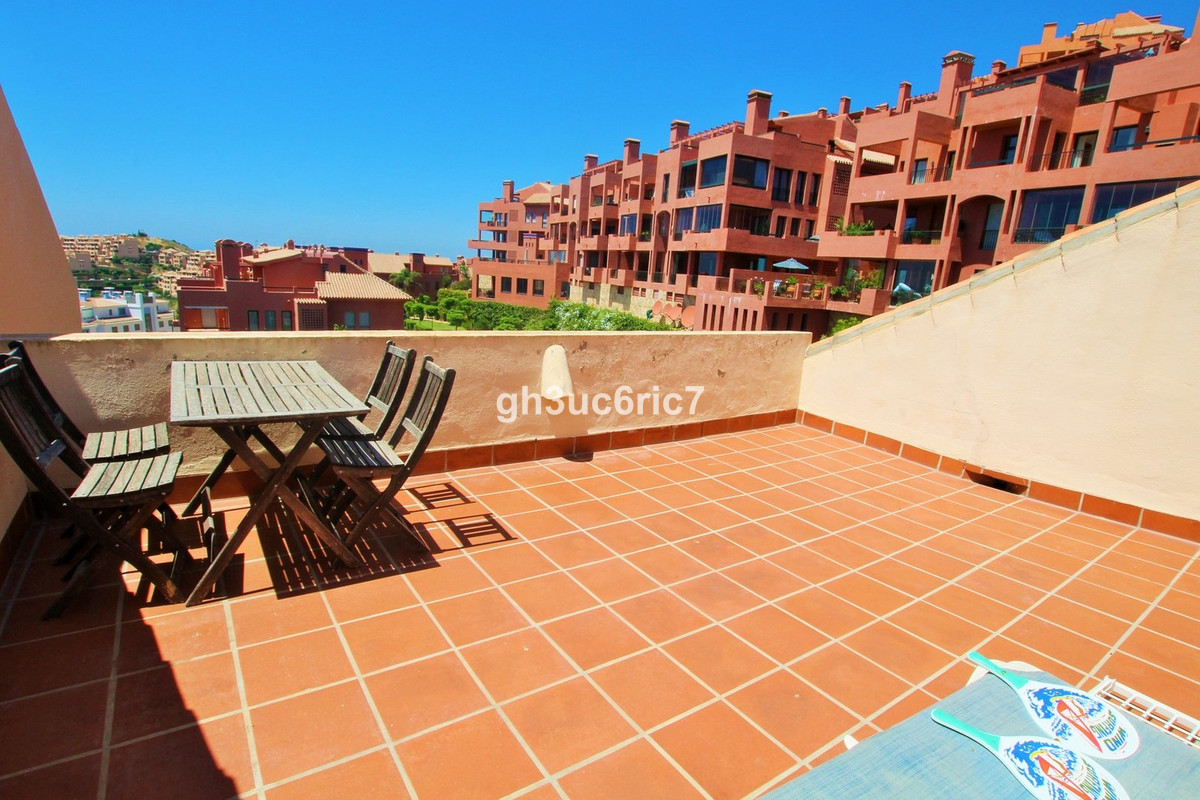 Stunning, tastefully designed 3 bedroom duplex penthouse in Calahonda. This penthouse is facing sout, Spain