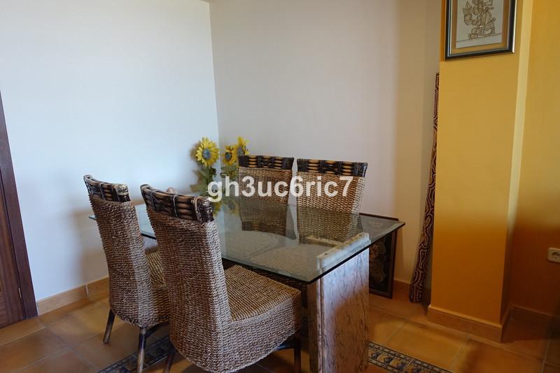 Apartamento Planta Media en venta, Calahonda – R3162895