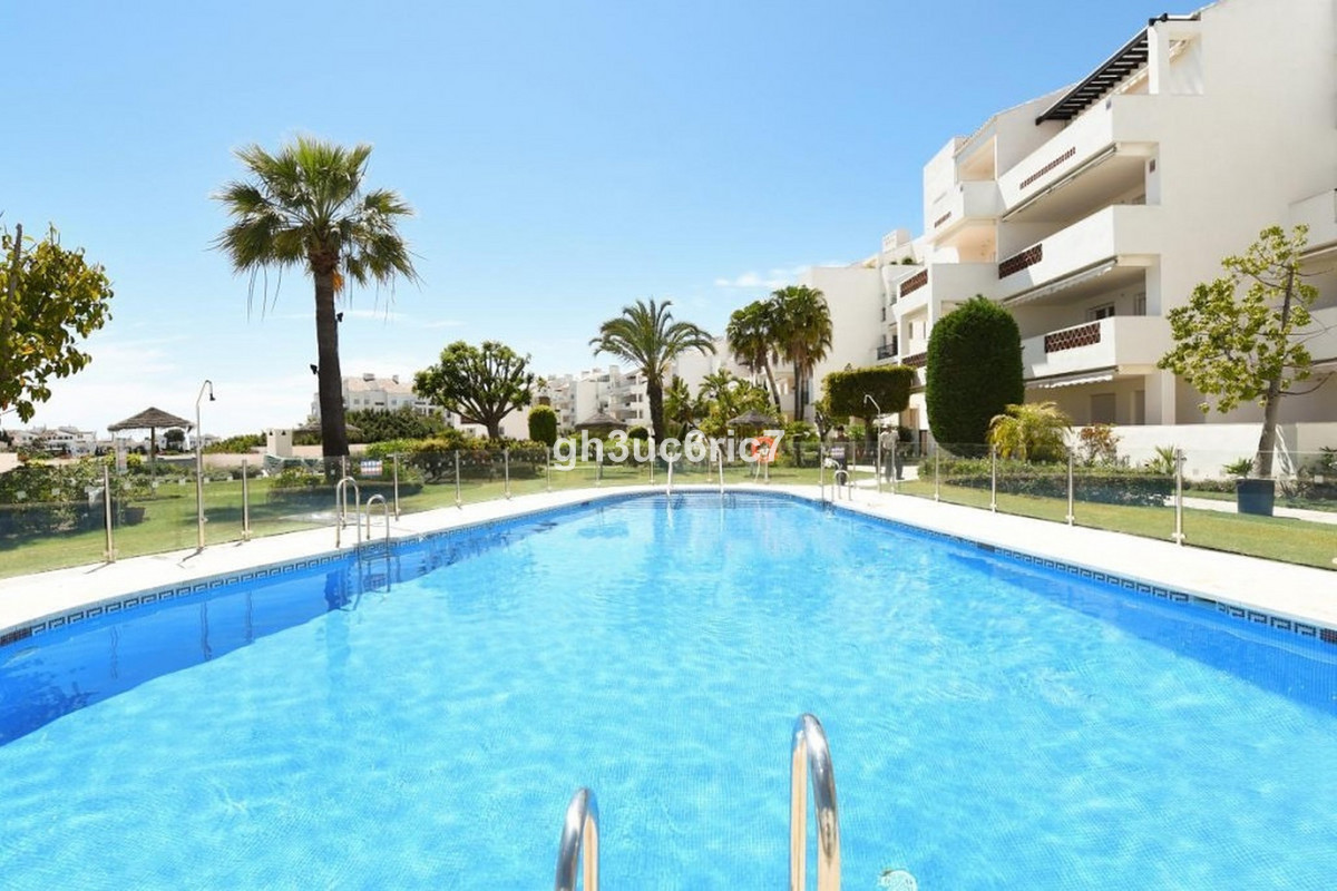 Superb elevated ground floor apartment with 3 bedrooms, 2 bathrooms located within a gated and CCTV , Spain