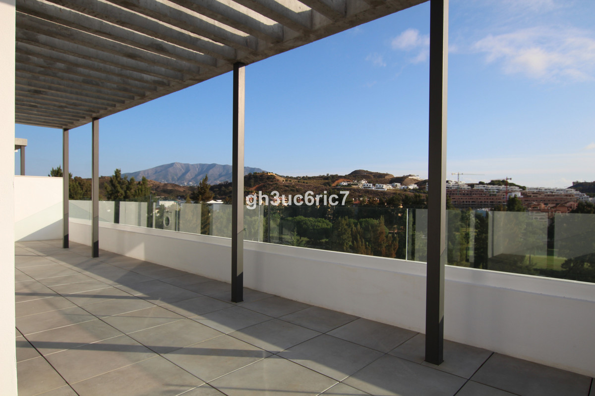 Amazing penthouse in the best location on the coast!  This recently constructed penthouse offers tru, Spain