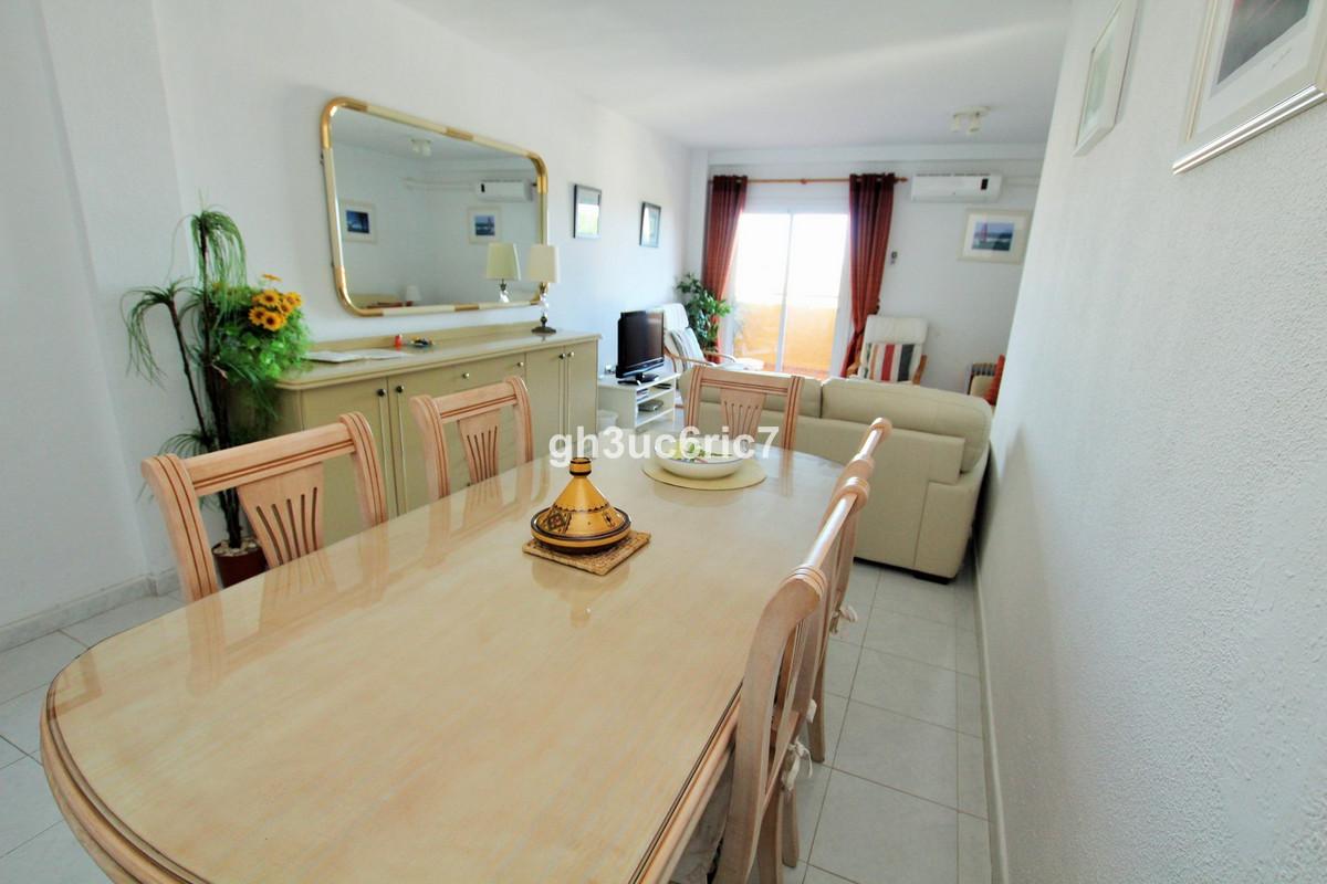 Apartamento en Venta en Calahonda – R3161299