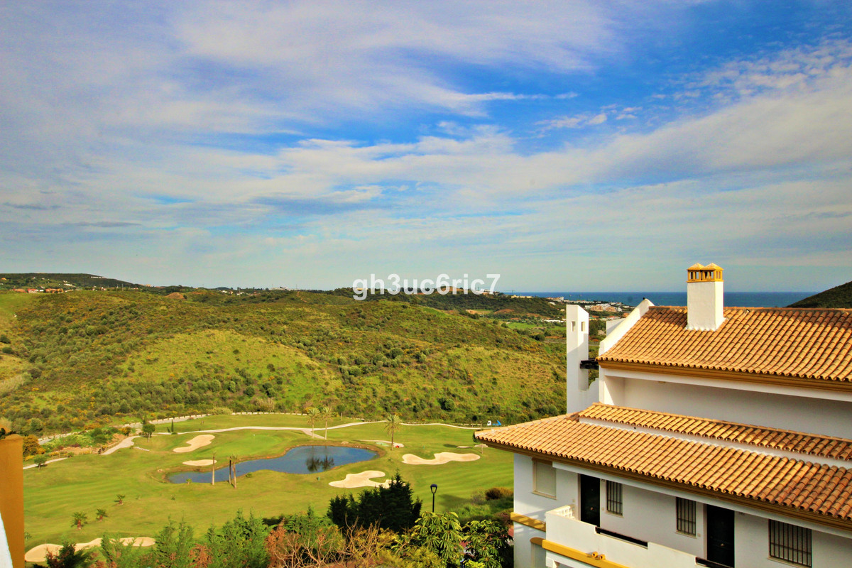 A nice 2 bedroom 2 bathroom apartment located in Calanova Golf. In excellent condition, there in an ,Spain