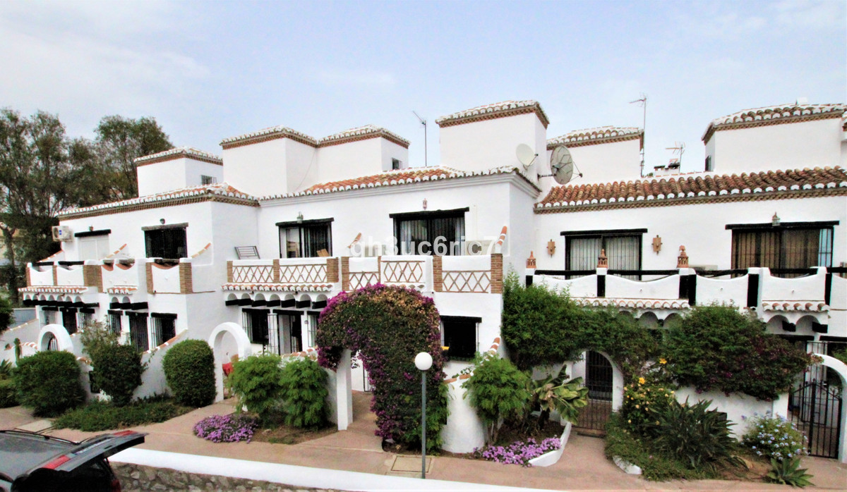 2 bedroom townhouse for sale calahonda