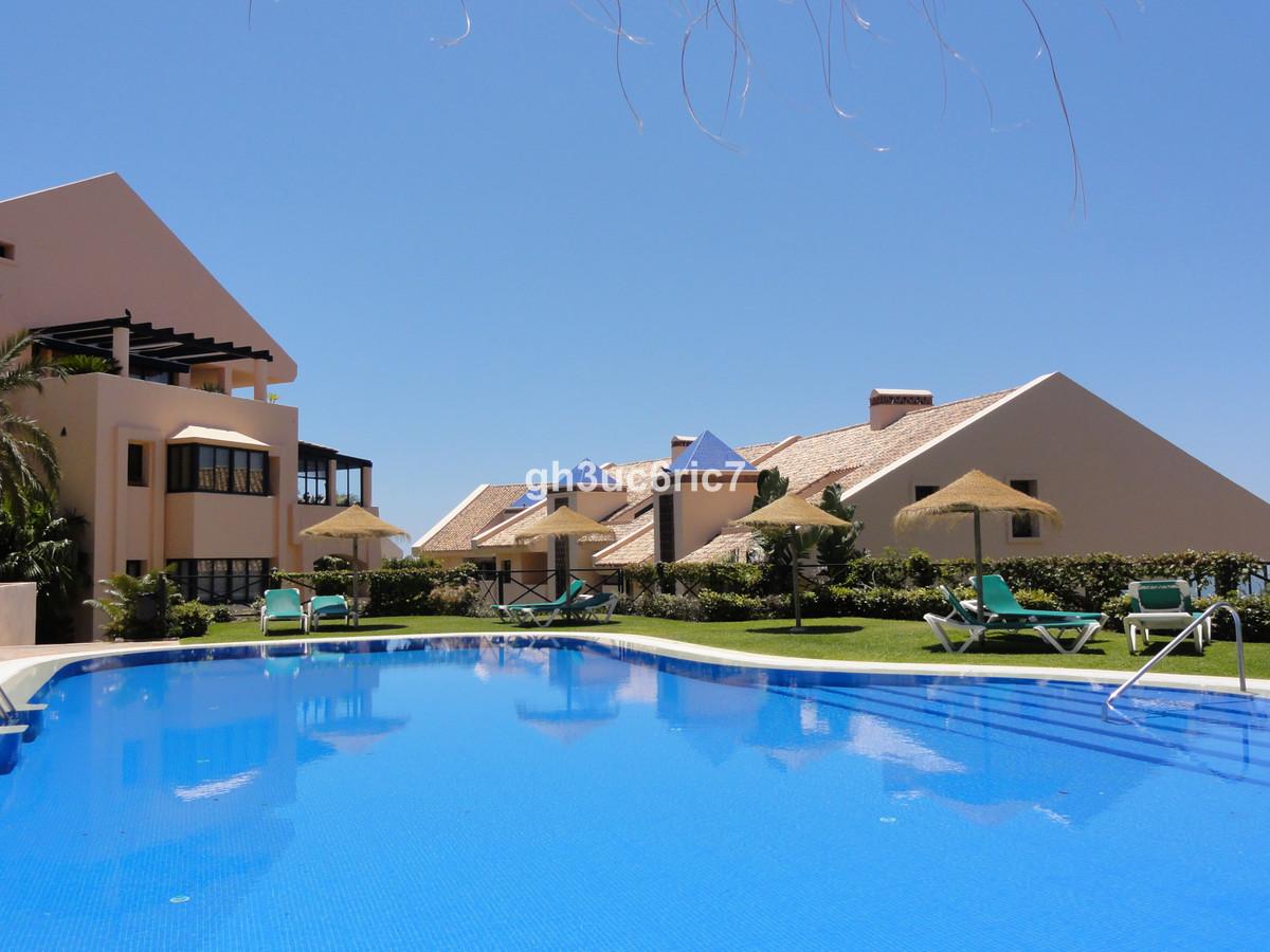 Marbella Banus Apartamento Planta Media en Venta en Calahonda – R3470317