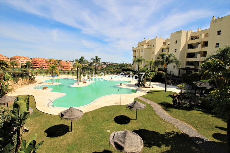 Marbella Banus Apartamento Planta Media a la venta en Mijas Costa – R2301962